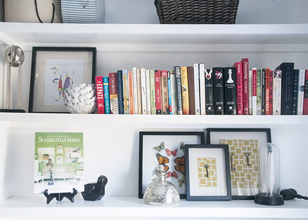 bookshelf styling with books