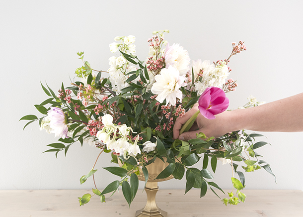floral styling tulip placement