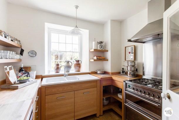 cornwall-villa-kitchen