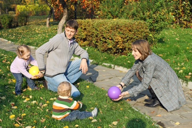 Family on lawn 2