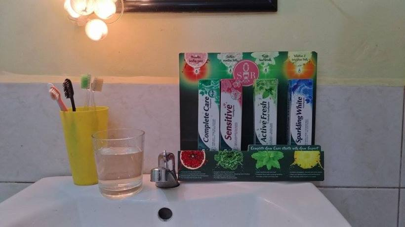 Himnalaya Herbals Complete Care Toothpaste