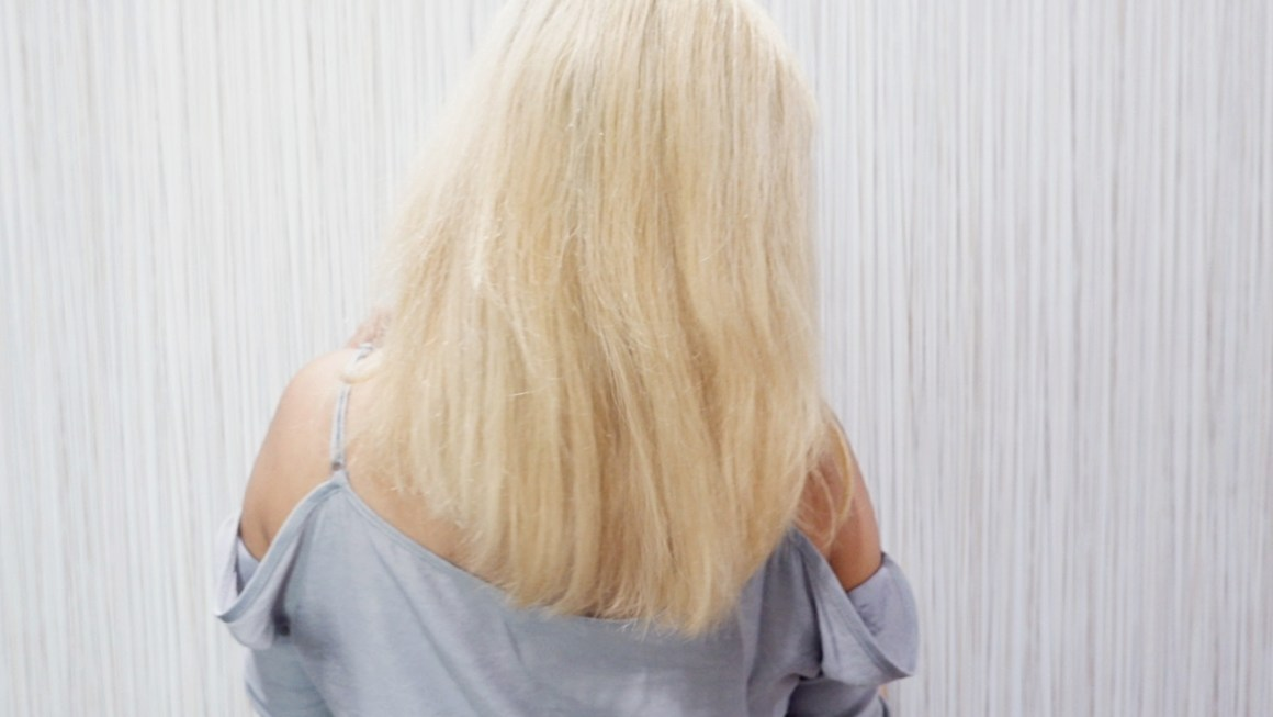 How to Keep a Bleached Hair Healthy with Moringa O2 Argan Oil.