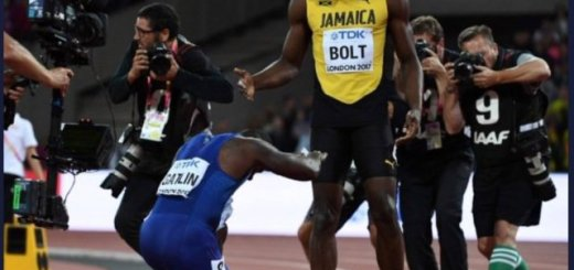 Justin Gatlin Stuns Usain Bolt in his last 100m Race