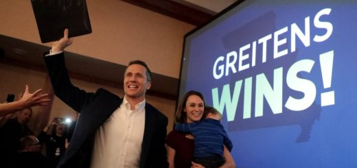 Missouri Governor Resigns Over Sex Scandal and Fundraising Violation