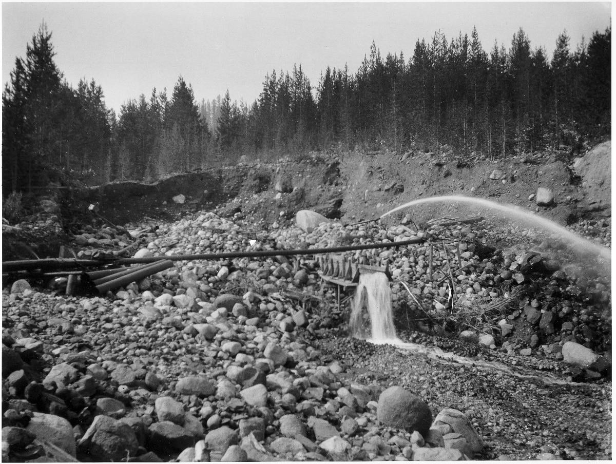 mining montana sapphires rock