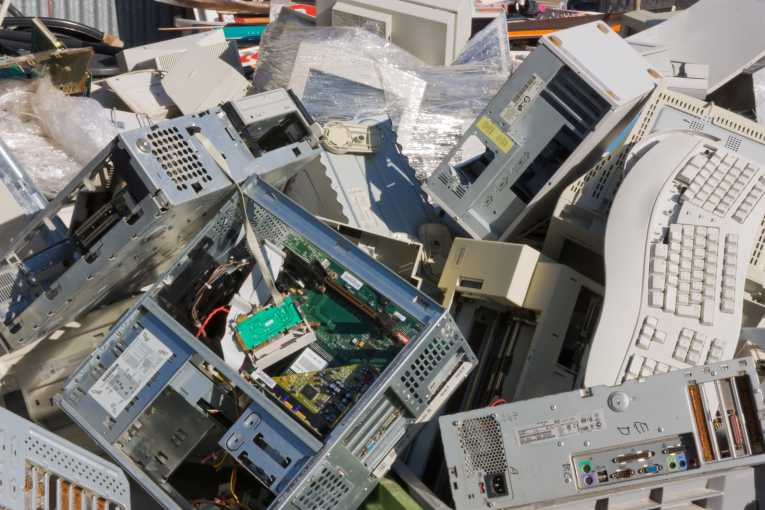 E Waste Pollution Puts Workers At Risk Health The