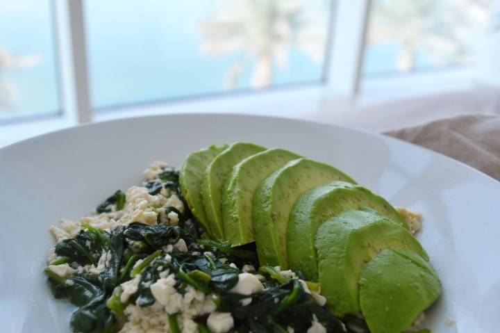Good mornin sunshine – Spinach & Avocado Scrambled Tofu