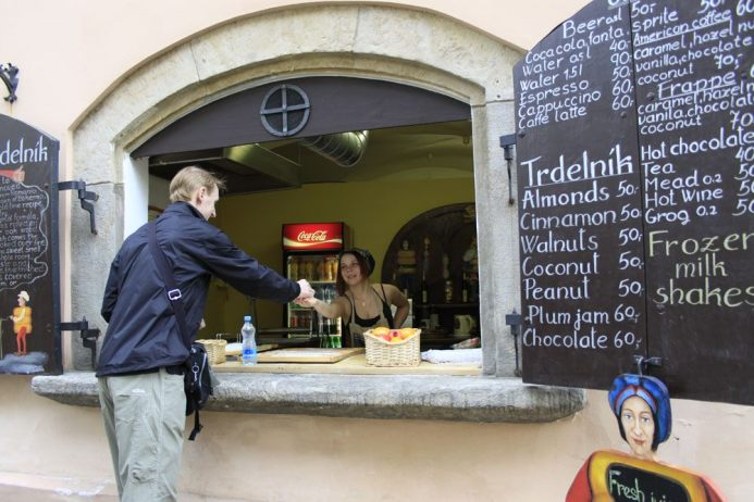 Buying Trdelnik