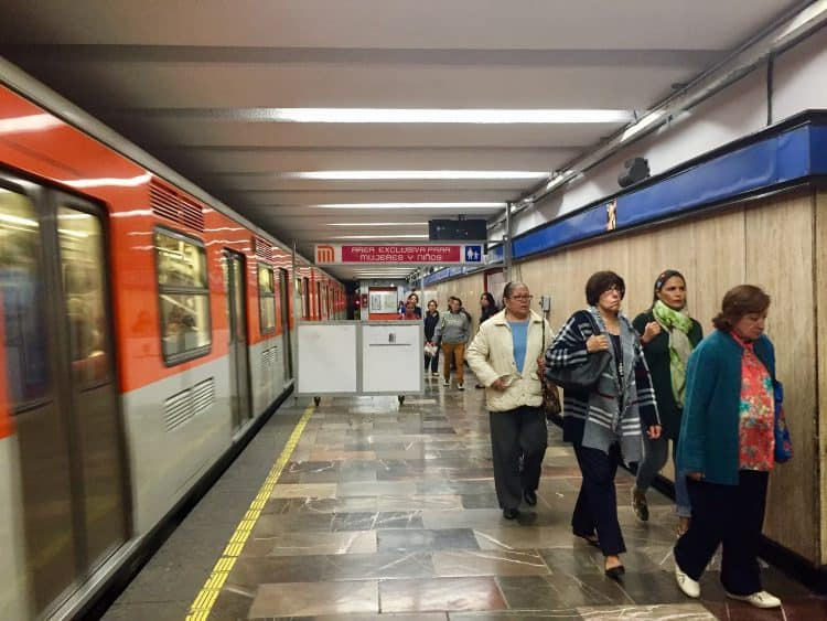Useful Mexico City travel guide for savvy travelers 1