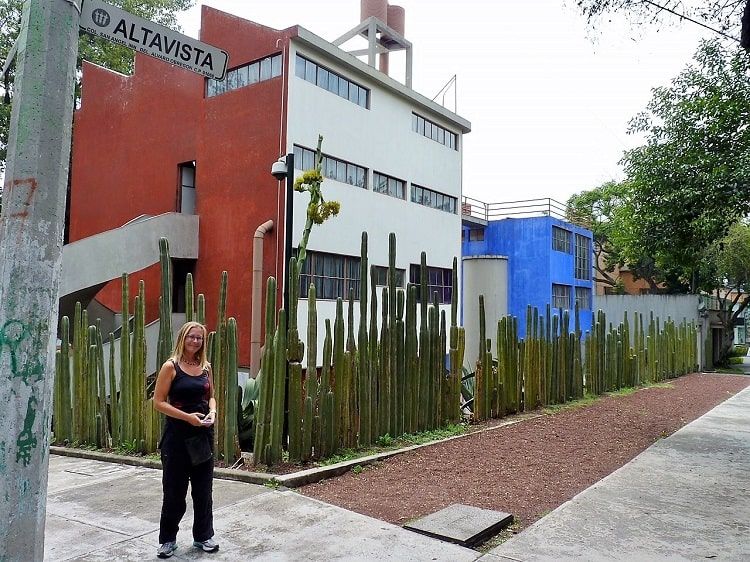 mexico city travel guide: outside diego rivera and frida khalos home and studio, respectively