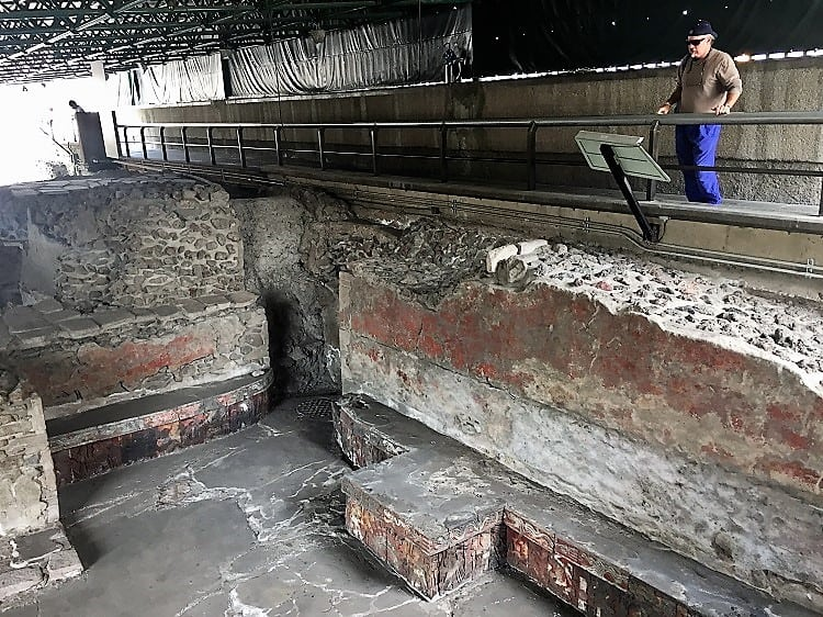 mexico city travel guide: templo mayor graves under mexico city