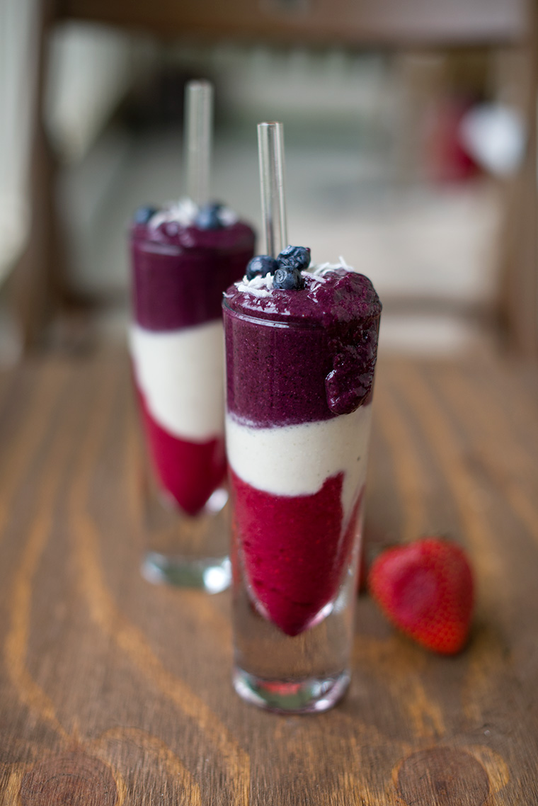 Red White & Blue Smoothie {Vegan}