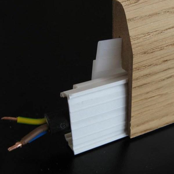 plinthe electrique cache-goulotte placage chene