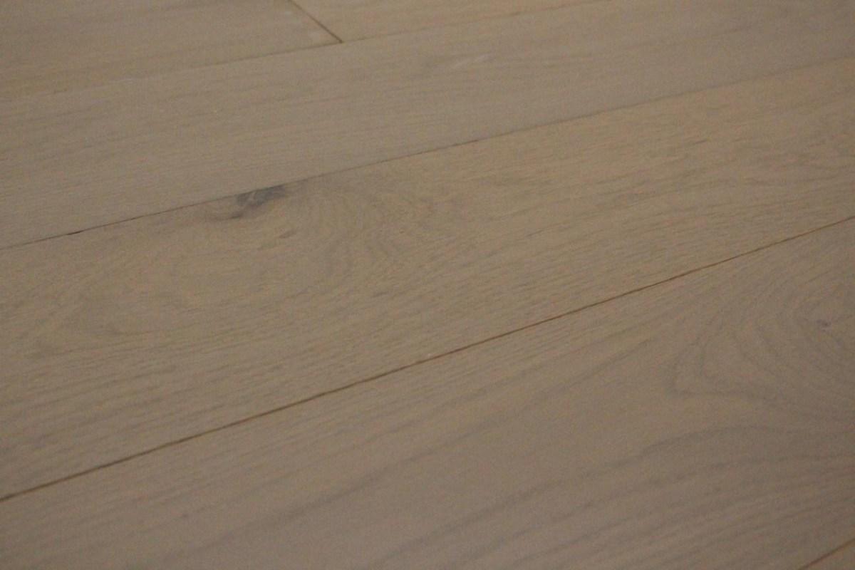 parquet contrecollé chêne gris