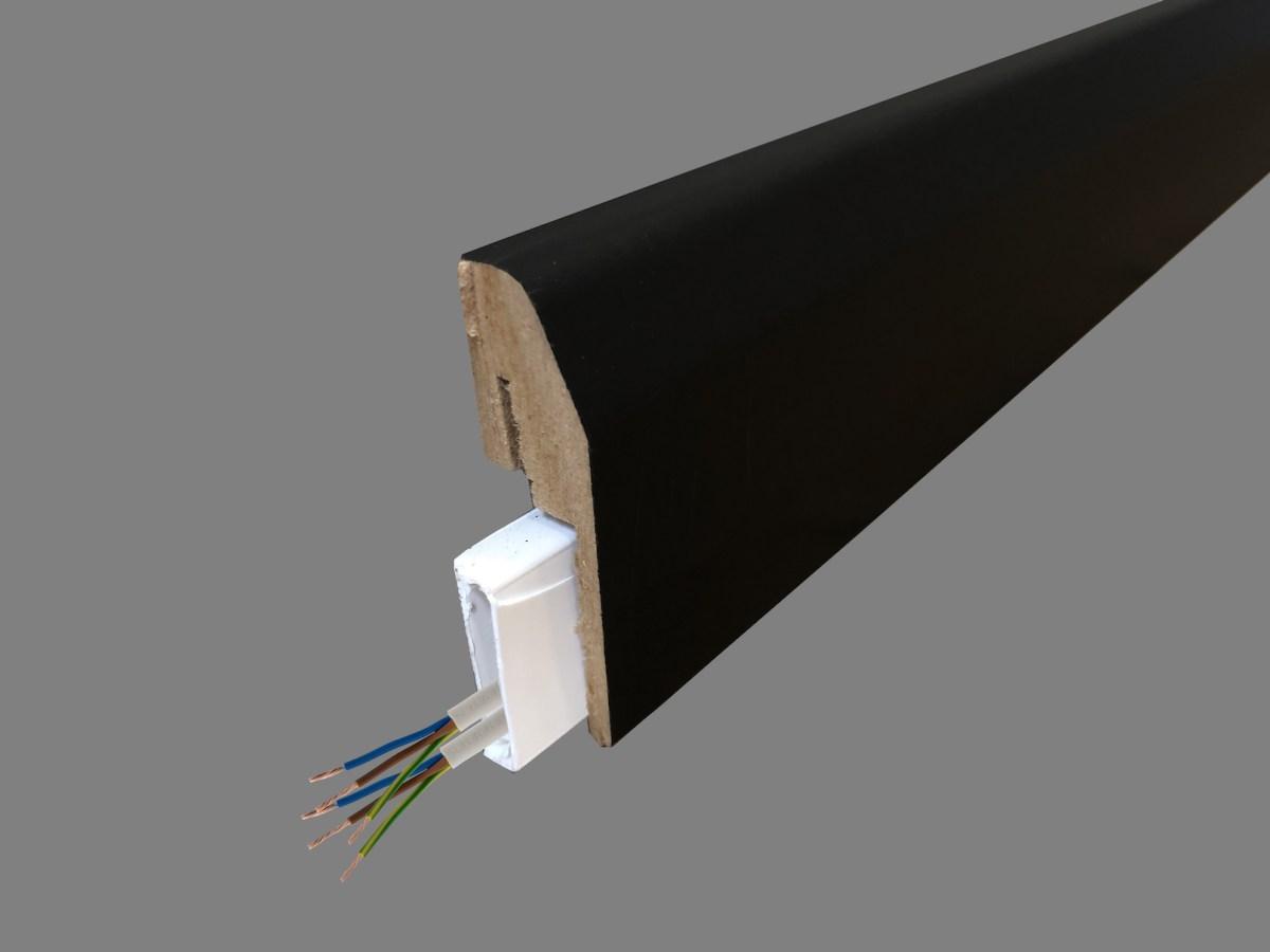 plinthe électrique clipsable noire