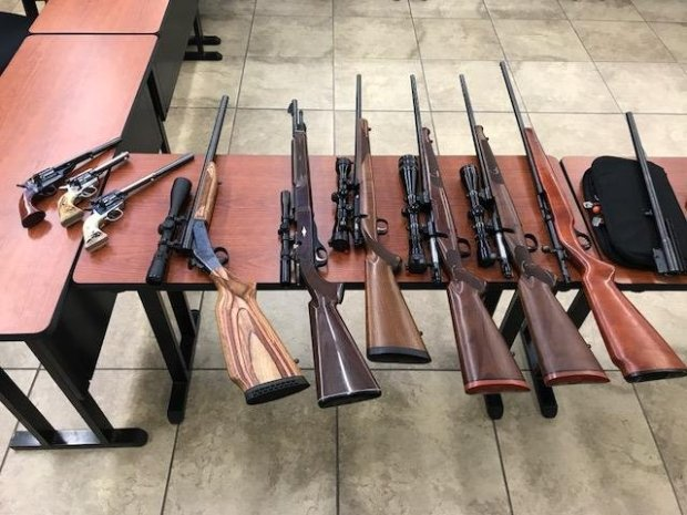 Pittsburg police recovered stolen guns and hundreds of rounds of ammunitionafter a license plate reader pinged on a stolen license plate. (Pittsburg police department)