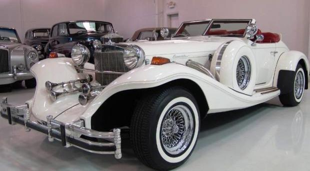 courtesy of Ed CiurlizzaMechanic Ed Ciurlizza's pride and joy is this Excalibur roadster, a neoclassic car styled after the 1928 Mercedes Benz SSK that Ciurlizza built from a kit.