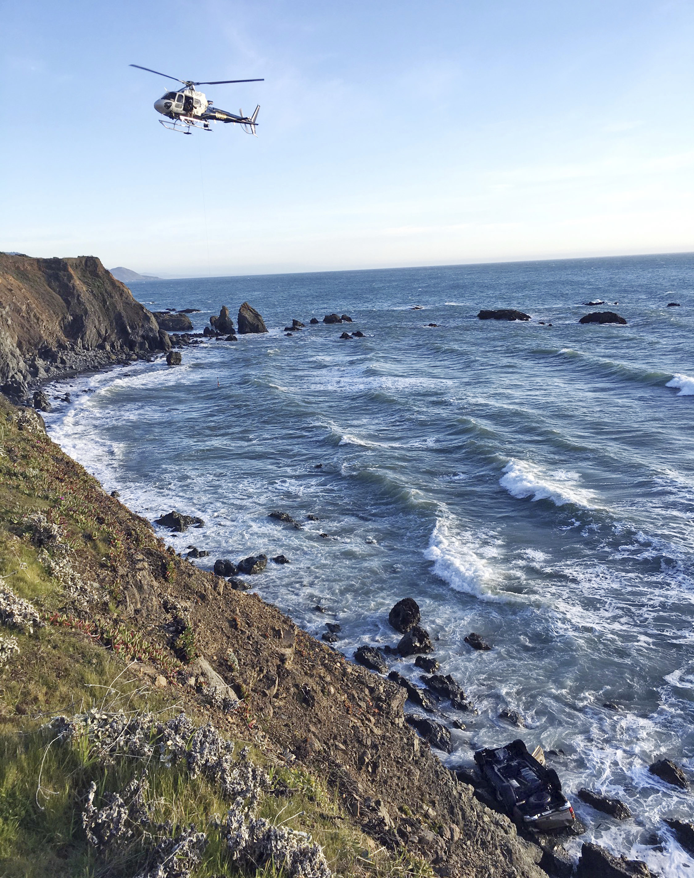 Ocean search in progress for 3 more kids in California coast crash