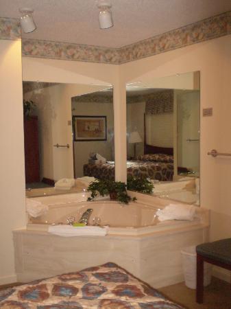 Woodstone at Massanutten Master Bathroom3  East Coast