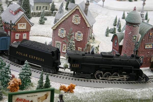 Holiday-Train-Expo-Wilmington
