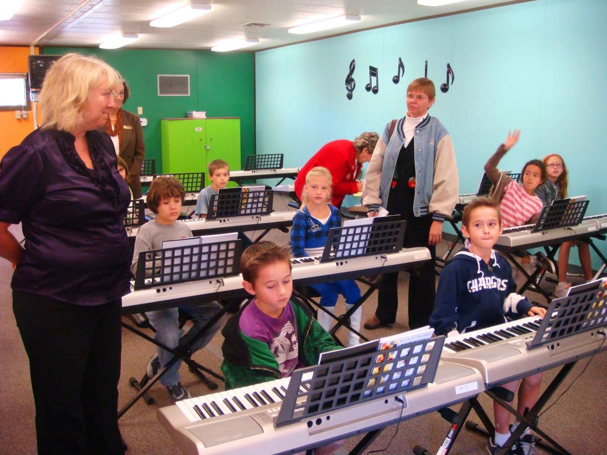 ALPINE SCHOOLS  VIEJAS TEAM UP TO BRING NEW MUSIC  MATH