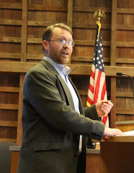 Steve Couch of the Army Corps of Engineers at Wednesday's meeting