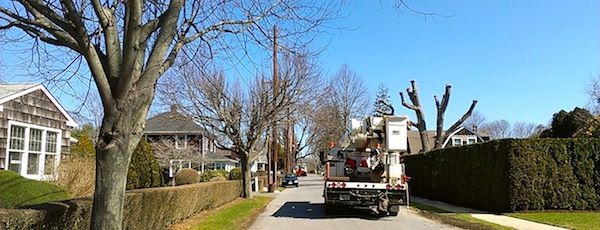 PSEG works on installing a new transmission line down East Hampton Village streets.