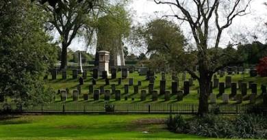 Pond, Graves, East Hampton