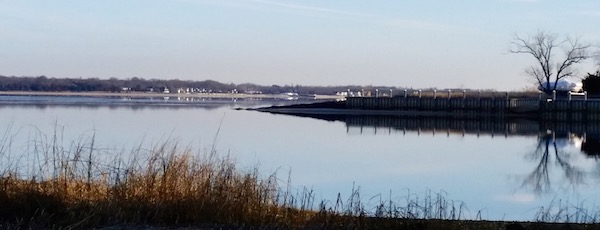 The Peconic Looking Glass