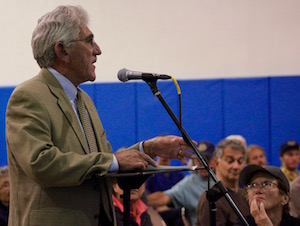 East Hampton Town Supervisor Larry Cantwell at Wednesday's Army Corps meeting.