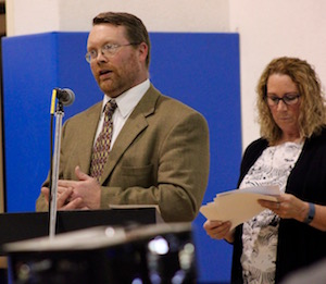 Steve Couch of the Army Corps of Engineers and Susan McCormick of the DEC at Wednesday's forum in Montauk.