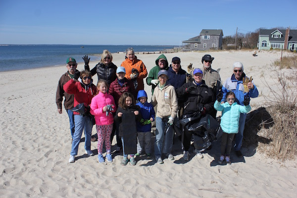 The New Suffolk Civic Association gets ready to clean up the beach.