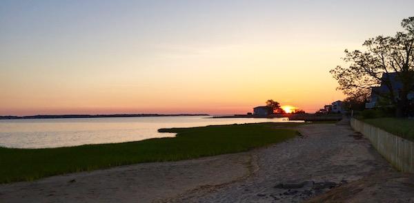 Hot sunrise, Flanders Bay