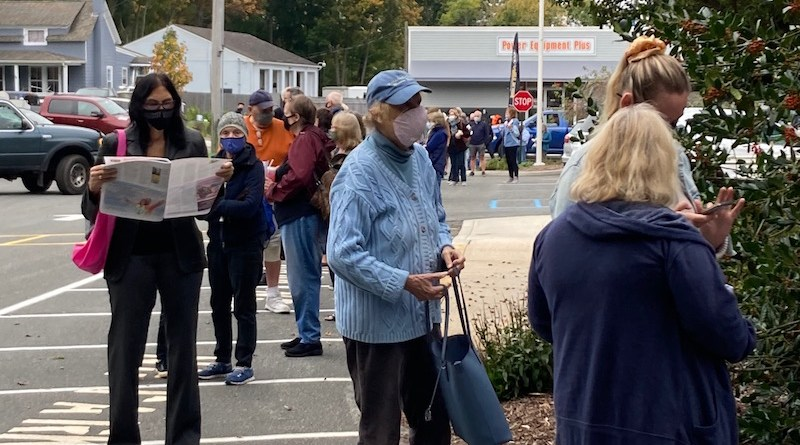 Early Voting line, Mattituck