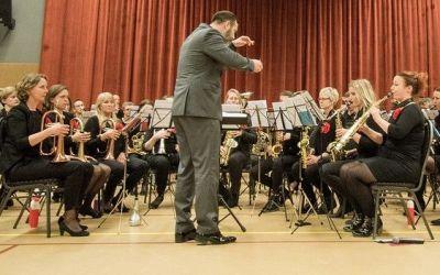 Galakonsert fanfare Wilhelmina yn theater Snits