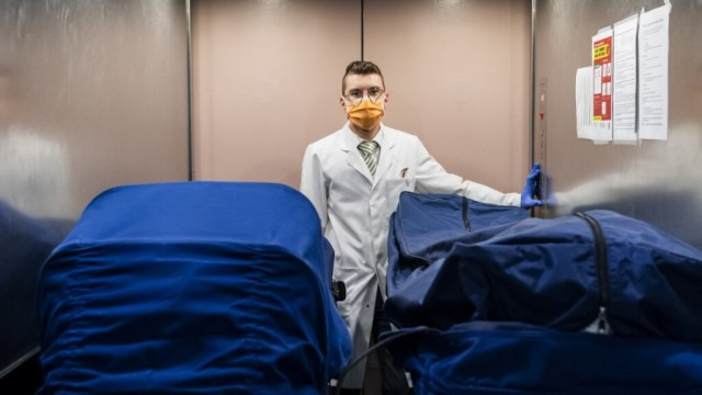 Covid19 dead: what post-mortem reveals about the virus