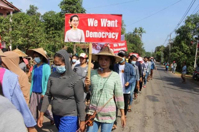 Myanmar Coup - Myanmar Army kills at least 7 protestors