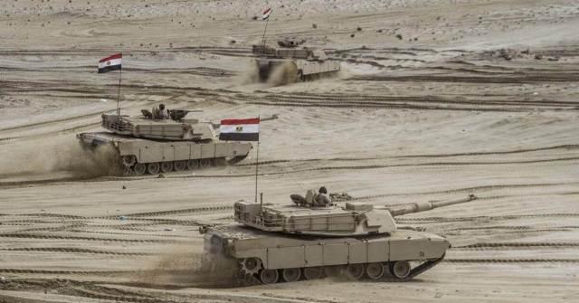 Egypt opens a naval military base adjacent to Libya