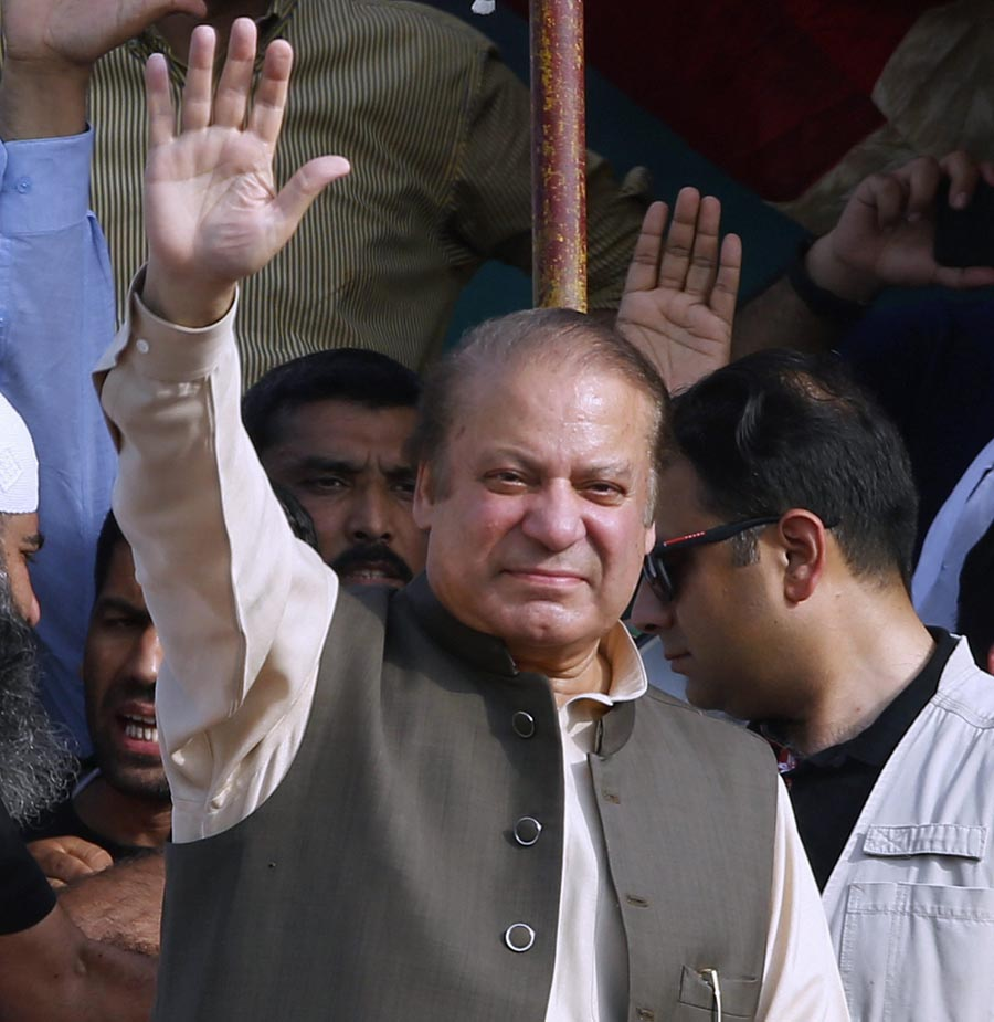 Nawaz Sharif refuses to answer any political question after arriving in London