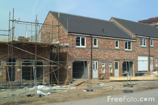 13_19_7---House-Building_web