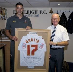 Aaron Martin signs saints shirt to say thank you1