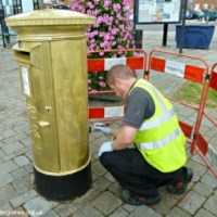Hamble gets its own Golden Post Box!