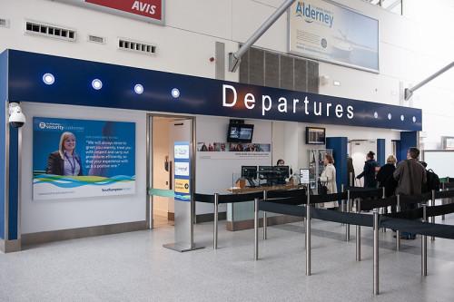 SouthamptonAirportDepartures e1391873123101