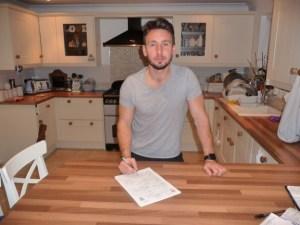 Matt Tubbs signs for Eastleigh on loan (eastleighfc.com)