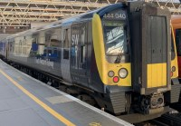 444040 in SWR livery at Waterloo 1