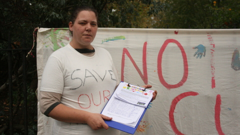 A campaigner against the closure of local nurseries. Photo: Silje Dammen