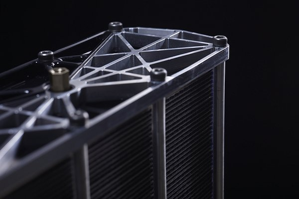 Intelligent Energy launches fuel cell for portable, stationary applications
