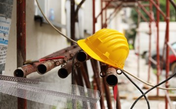 Five-year low for new contracts in construction sector