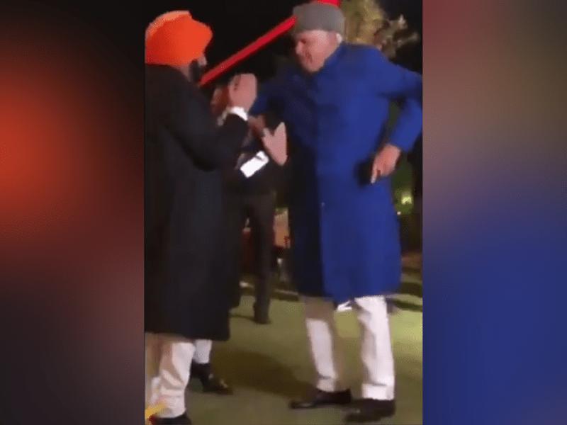 Farooq Abdullah and Amarinder Singh dancing to Bollywood hits