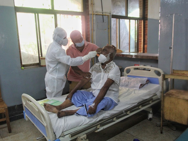 India records 3,890 COVID-19 deaths in a day, 3.26 lakh new cases